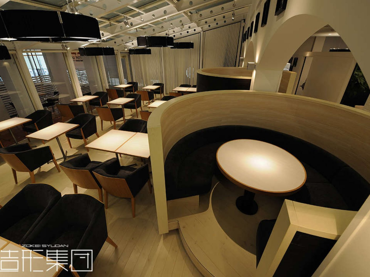 CAFE & DINING【COME COME】の写真 1