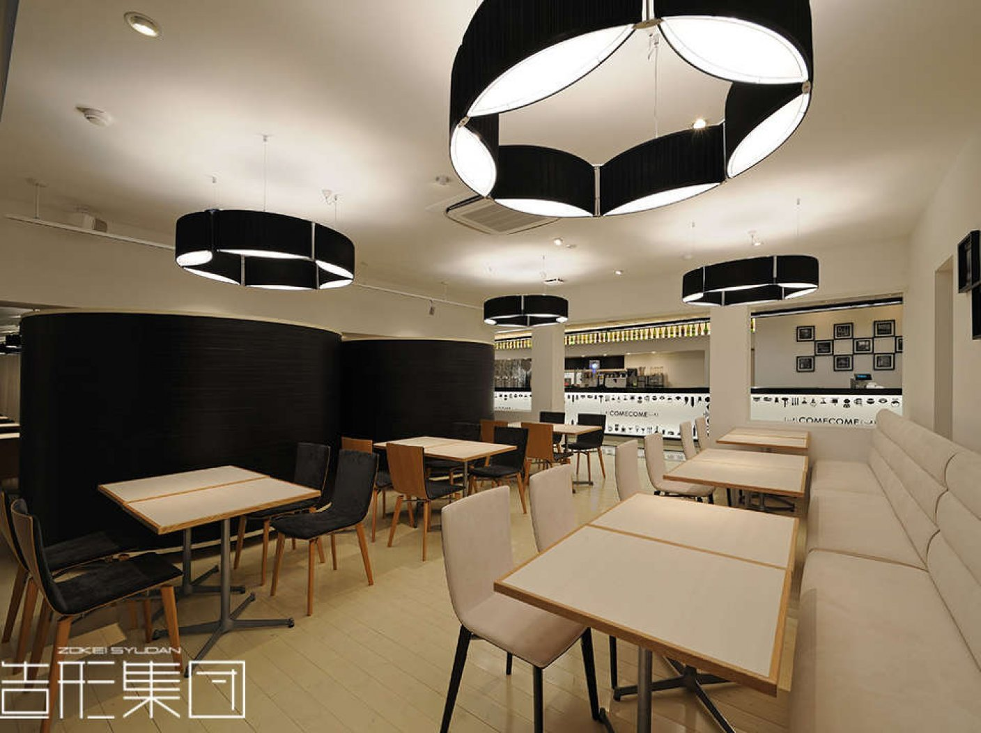 CAFE & DINING【COME COME】の写真 6
